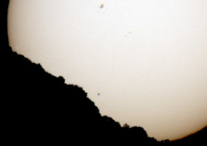 9_April_Sun_Mercury_Rise_Over_Catalinas_5441_crop